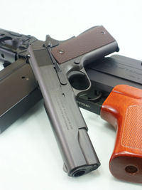 64式とM1911A1