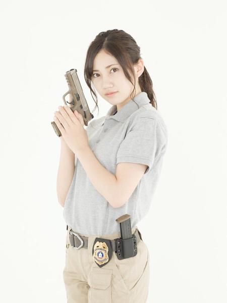 洋服が素敵な北川綾巴さん
