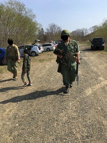軍曹が戦場へ着任しました。これより小隊の指揮を執ります。