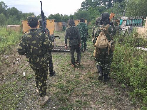 行軍中のロシア兵