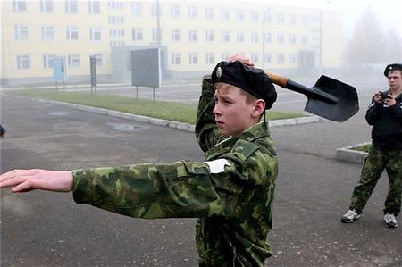 ロシア式スコップ投擲術