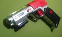 レジ脇の光線銃。