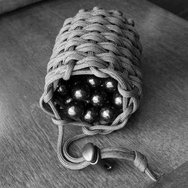 First for How to make a paracord bag