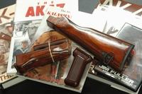 GHK AKM木製ハンドガード・ストックセット・リフィニッシュ