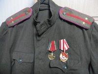 WW2ソ連軍肩章を取り付け