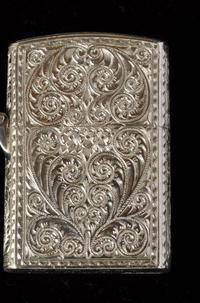 アラベスク模様のライター