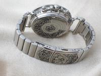 腕時計に彫刻