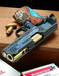 コレクター様の銃
