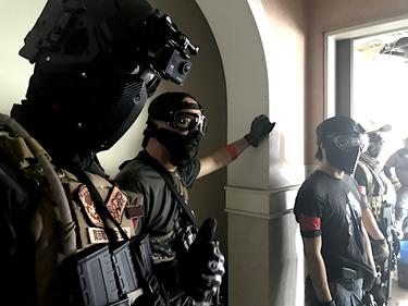 Devtac フルフェイスマスク一体型タクティカル・ヘルメット