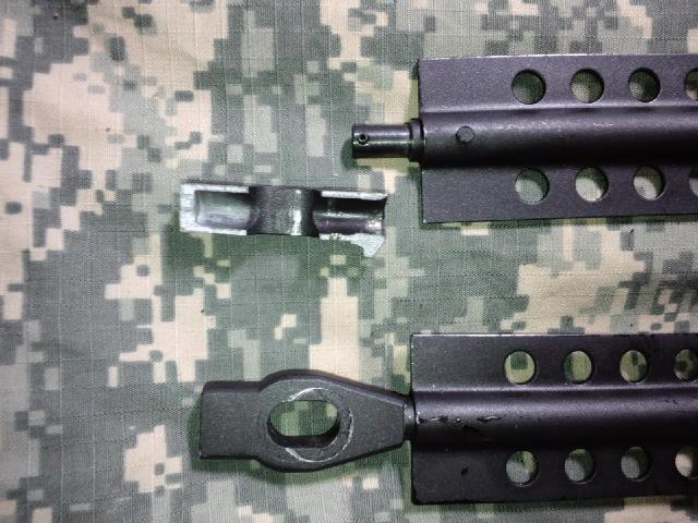 バレットM82A1の割れたバイポット基部