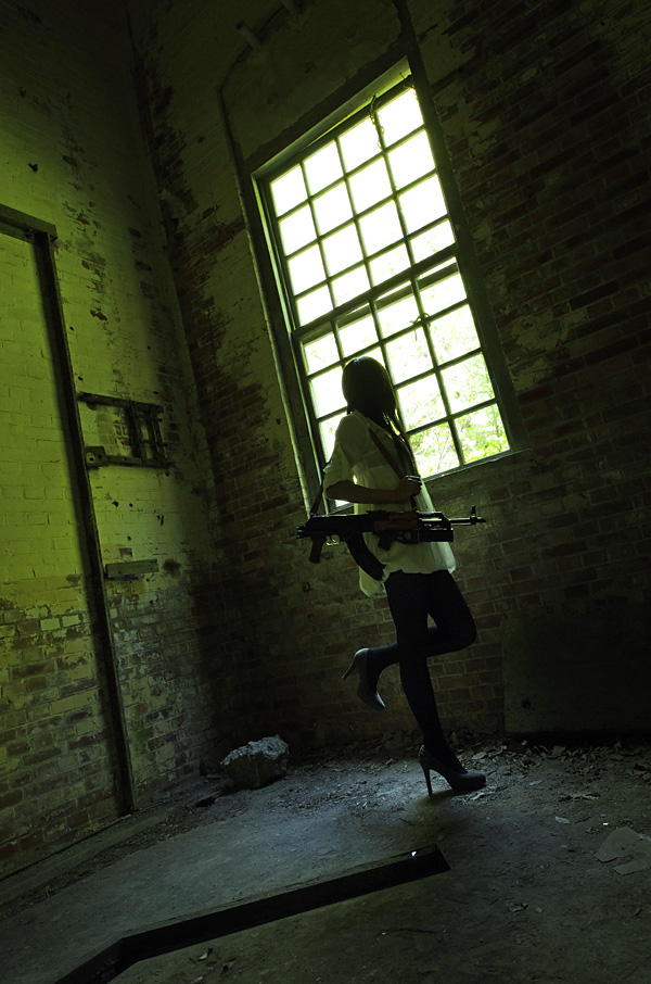 廃墟×少女×銃
