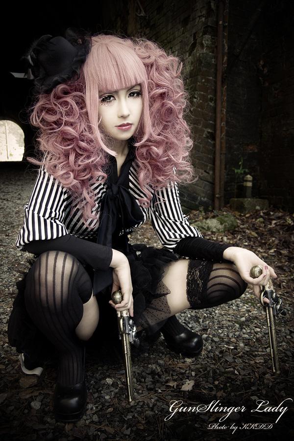 GothicSlinger Girl