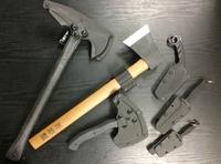 シース付きダミーナイフや斧など販売中!