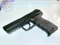 HK VP9と、実銃ライターShinさん