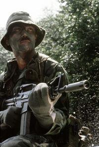 M16A1、XM177 FRONT SIGHT HOUSING