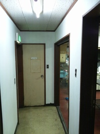廊下の仕上げ→ドア