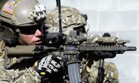 「サザーン・ストライク18」演習で米陸軍第3特殊部隊グループの隊員がCQB訓練を実施