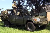 ベルギー国防省、特殊部隊用にトヨタ製「ランドクルーザー」をベースに改良した新型車「フォックス」を発表