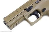 アメリカ軍の新制式ハンドガン「MHS」に対応したベレッタ・APXの写真が公開