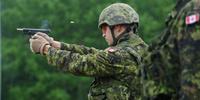 カナダ軍が新型制式ピストルの取得に向けた調査を今年後半にも開始。本格運用は 10 年後か