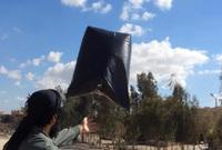 ダーイッシュ (IS) が連合軍の航空機墜落を狙う「ビニール袋爆弾」の利用を呼び掛け。過去に「コンドーム爆弾」製造も