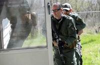ブラックウォーターでの訓練経験を持つ耳鼻咽喉科の医師が地元警察SWATチームのメディックとして採用