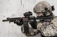 発砲時の反動や銃声、発火炎を電子制御によって再現する「E-blank」交戦シミュレーションシステム