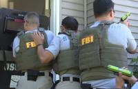 「ホーガンズアレイ」で各種トレーニングに励むFBI捜査官の訓練生