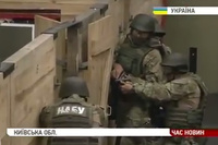 FBI インストラクターがウクライナへ出稽古。国家汚職対策局 (NABU) の隊員に SWAT 式のタクトレを実施
