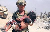 ダーイシュ(IS)スナイパーの銃弾が飛び交う中、決死の覚悟で少女を救出した元米陸軍特殊部隊の人道支援家