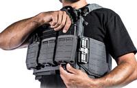弾倉など各種アイテムを素早く保持できるファーストスピアの「MultiMag Rapid-Adjustポケット」