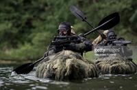 ドイツの軍・警察特殊部隊 (KSK, SEK) 隊員が参加した水辺での訓練 (aquatic attacks) 写真