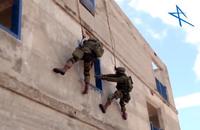 スナイパーとモンキーによる連携で素早くターゲットを排除。イスラエル軍の精鋭カウンターテロ部隊が訓練展示