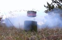 半径7mに最大92発のBB弾を撒き散らす。市場初の「跳躍地雷」型エアソフト製品『Enimine』が登場