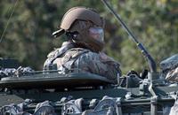 米陸軍が評価試験中の車輌ガンナー用「追加装甲仕様」に特徴を持つ新型ヘルメット
