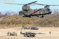 米軍の女性空挺隊員も参加。平成30年陸上自衛隊「第一空挺団 降下訓練始め」レポート