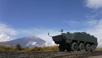 防衛装備庁に小松製作所製の新型装輪装甲車、「装輪装甲車(改)」の試作車輌が納品