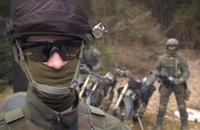 スピード、敏しょう性に優れたオフロードヴィークルを乗りこなすリトアニア軍特殊部隊の映像