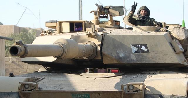 NEWSダーイッシュ (IS) から奪還した街で唯一生き残ったイラク軍の M1 エイブラムス戦車