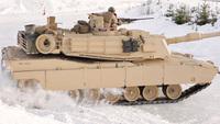 重量 70 トンの巨漢「M1A1 戦車」や水陸両用車「AAV」がアイスバーンで豪快なドリフト走行