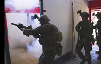 米海兵隊キャンプ・ペンデルトンがMARSOC精鋭レイダース隊員によるDA訓練映像を公開