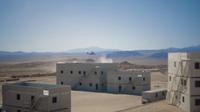 米海兵隊、精巧に再現された広大な施設で市街地強襲シナリオ訓練を実施