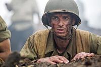難攻不落の戦地で銃を持たず一夜で75名を救った男の実話...映画「ハクソー・リッジ」が6/24全国公開