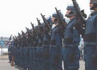 市街地でテロリストとの銃撃戦を想定、警察庁が「自動小銃」「防弾車両」の導入を決定