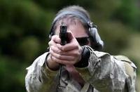 ニュージーランド陸軍が新制式ピストル「グロック 17 Gen.4」を使った射撃訓練の映像を公開