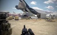 広大な「飛行機の墓場」でエアソフトゲーム。米国のタクティカル・チャレンジ映像