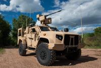 オシュコシュ社が 30mm チェーンガン武装バージョンの JLTV を初公開。陸軍の偵察部隊での運用を想定か