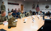 米陸軍の熱帯地向け戦闘服&ジャングル戦闘ブーツがメディア会合で展示