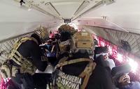 テロリストによりハイジャックされた航空機を緊急即応部隊が急襲。ポーランド危機対応演習の映像が公開
