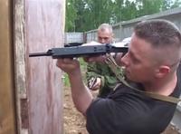 ロシアでタクティカル・トレーニングを開催するポーランド出身インストラクターの蔵出し映像
